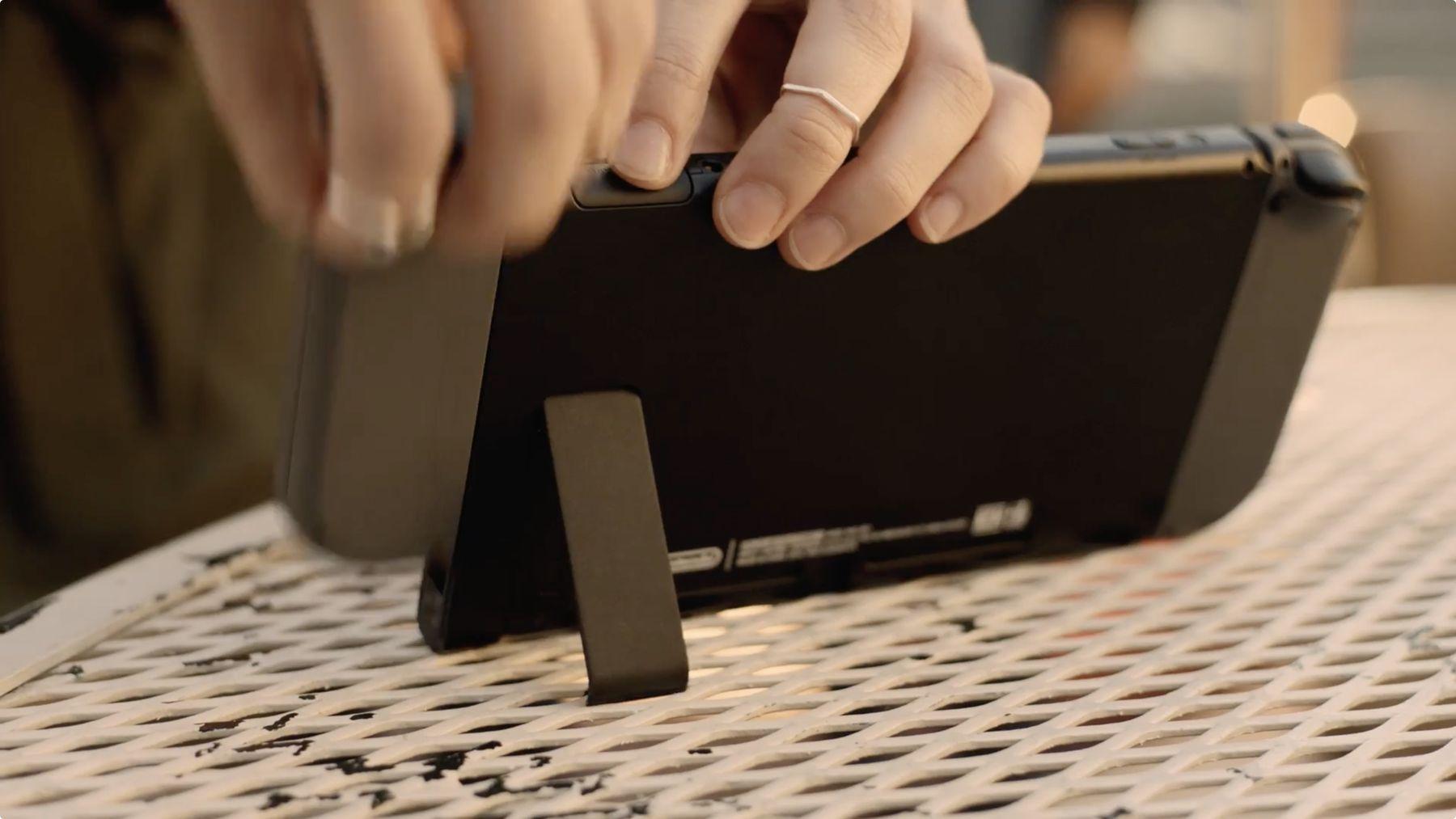 CNET évoque le problème de béquille de la Switch = EPIC FAIL